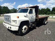 1991 FORD F700 Flatbed Dump Tru