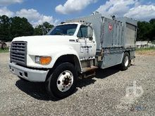 1996 FORD F800 Fuel & Lube Truc