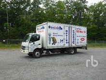 2015 HINO 195 COE S/A Van Truck