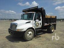 2006 INTERNATIONAL 4300SBA Dump