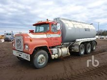 1977 MACK RS686LST Tri/A Water