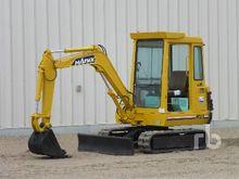 HANIX H27 Mini Excavator (1 - 4