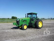 2012 JOHN DEERE 8235R Row Crop
