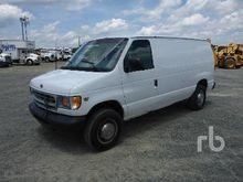 2002 FORD E350 Utility Van Util