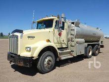1992 KENWORTH T800 3000 Gallon