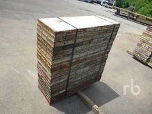 QUANTITY OF 4 Ft x 18 In. Concr