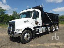 2016 VOLVO VHD Dump Truck (Tri/