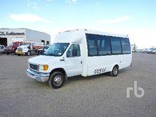 2003 FORD E450 8 Passenger Bus