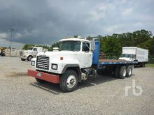 2003 MACK RD688S T/A Flatbed Tr