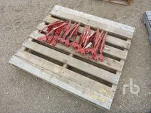 Quantity Of 15 Crop Lifters Agr
