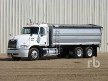 2002 MACK CX613 T/A Grain Truck