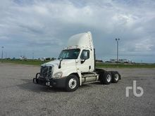 2010 FREIGHTLINER CASCADIA Truc