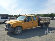 2006 FORD F350 Crew Cab Flatbed