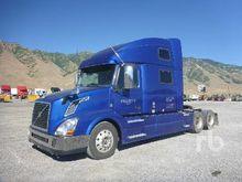 2014 VOLVO VNL Sleeper Truck Tr