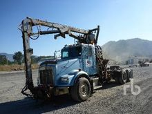 1998 KENWORTH T800B T/A Self-Lo