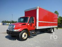 2007 INTERNATIONAL 4300 S/A Van