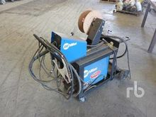 MILLER XMT304 Electric Arc Weld
