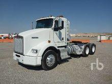 KENWORTH T800B Truck Tractor (T