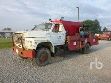 1981 FORD F700 4x4 Fuel & Lube