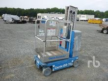 2012 GENIE GR20 Electric Person