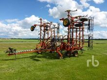 1994 BOURGAULT 8800 40 Ft Culti