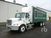 2011 FREIGHTLINER M2 T/A Curtai