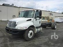 2010 INTERNATIONAL 4300 S/A Cab