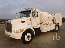 2005 PETERBILT 335 S/A Fuel & L