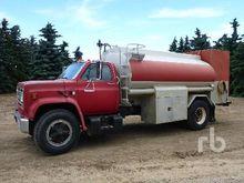 1987 GMC 7000 2200 Gallon S/A W
