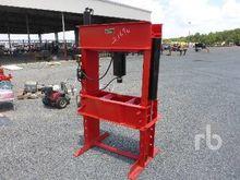 RED ARROW 150 Ton Hydraulic Sho
