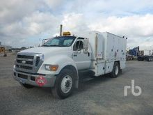 2006 FORD F750 S/A Fuel & Lube
