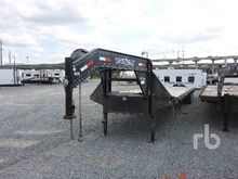 2013 LOAD TRAIL 40 Ft T/A Goose