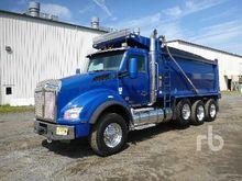 2017 KENWORTH T880 Dump Truck (