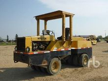 HYSTER 9 Wheel Pneumatic Roller