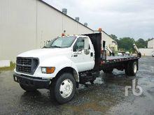 2000 FORD F750 Reel Truck