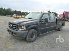 2004 FORD F250 Crew Cab Utility