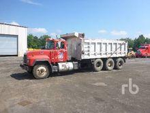 1997 MACK RB688S Dump Truck (Tr