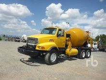 2001 STERLING 8500 T/A Mixer Tr