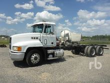 1996 MACK CH613 T/A Cab & Chass
