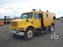 1997 INTERNATIONAL 4700 S/A Str