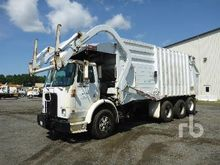 1998 VOLVO WX64 COE T/A Garbage