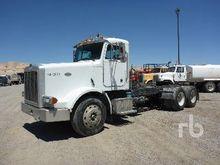 2000 PETERBILT 378 Truck Tracto