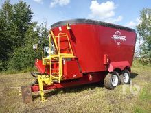 2014 SUPREME 1400T Feed Wagon