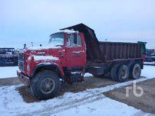 FORD LT8000 Dump Truck (T/A)