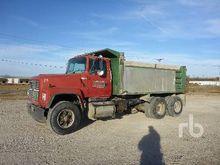 1997 FORD LT8000 Dump Truck (T/
