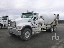 2002 MACK CV513 Granite T/A Mix