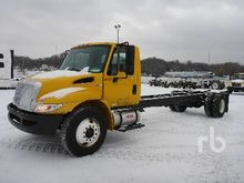 2011 INTERNATIONAL 4300SBA S/A
