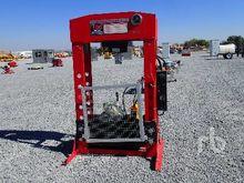2017 MACKMAN 100 Ton Hydraulic