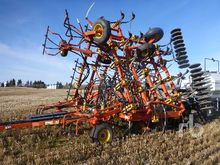 1997 BOURGAULT 8810 40 Ft Air D