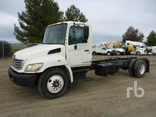 2007 HINO 268 S/A Cab & Chassis